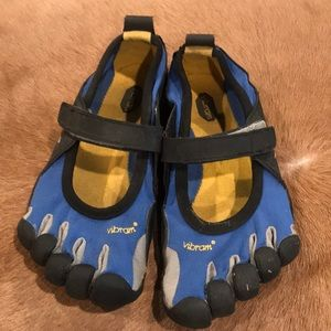 Vibram 5 Finger Toe Shoes Water Size Jr33